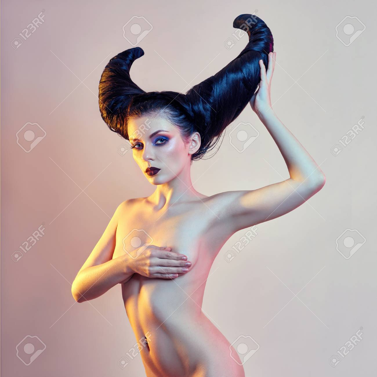 Blk woman nude halloween pic