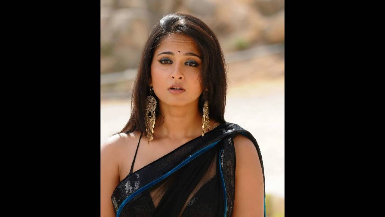 Sexy video in saree