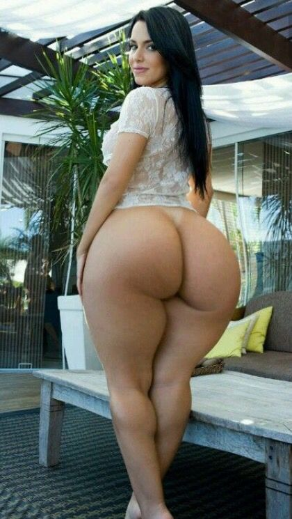 Pictures of naked women with big butt