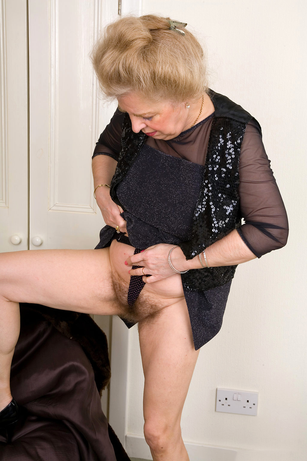 Mature hairy videotapes